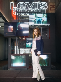 ELLE专访Levi's?大中华区董事总经理Amy Yang?#20309;?#31105;品牌,无禁丹宁! 我们的目标是实现指数级增长!