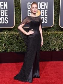 Piaget 伯爵全球品牌代言人杰西卡·查斯坦(Jessica Chastain)与 Michael B Jordan亮相第76届金球奖红毯