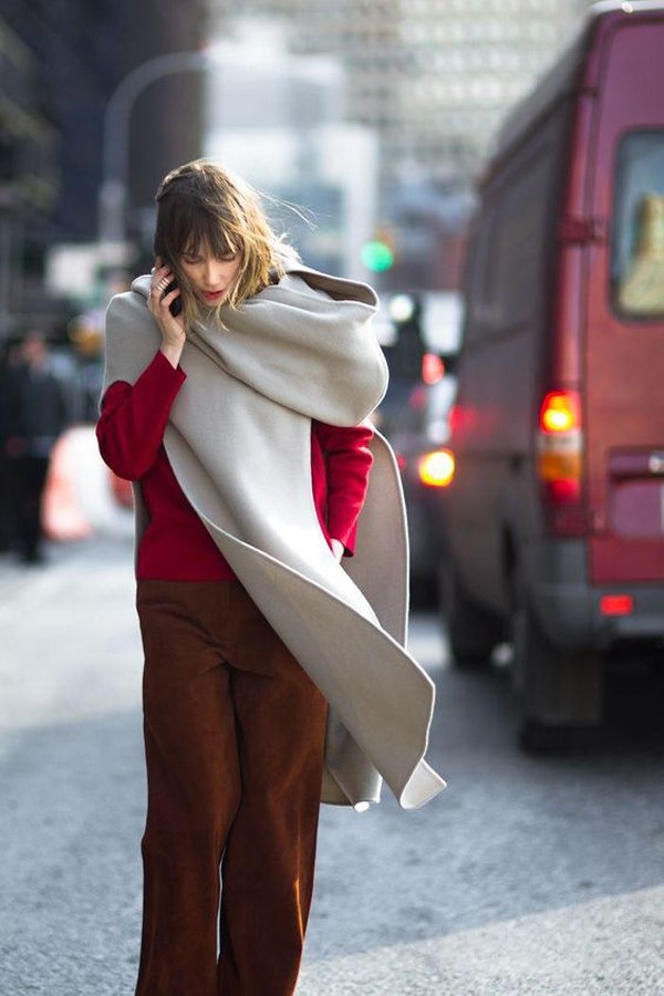 你缺的是网红围巾吗?你缺的是发型和口红!
