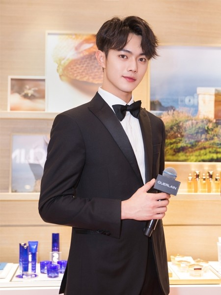 新愿蜜语,蜂华无双  法国娇兰品牌挚友许凯携新年蜜运红盒系列现身上海