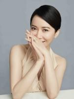 戴比尔斯(DE BEERS)品牌挚友俞飞鸿 祝福璀璨新年