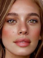 """眼部最容易出现的""""卡粉纹"""",需要在涂眼霜时注意了!"""