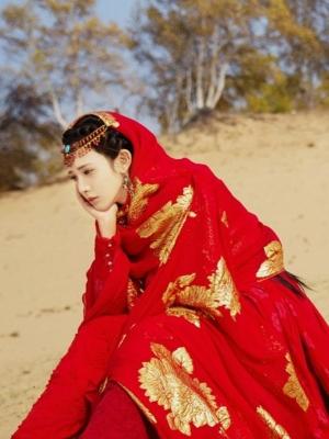 東宮女主因為顏值火了,28歲的她也曾給趙麗穎做配?
