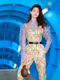 LOUIS VUITTON发布2019秋冬女装系列,ELLE独家对话观秀嘉宾钟楚曦