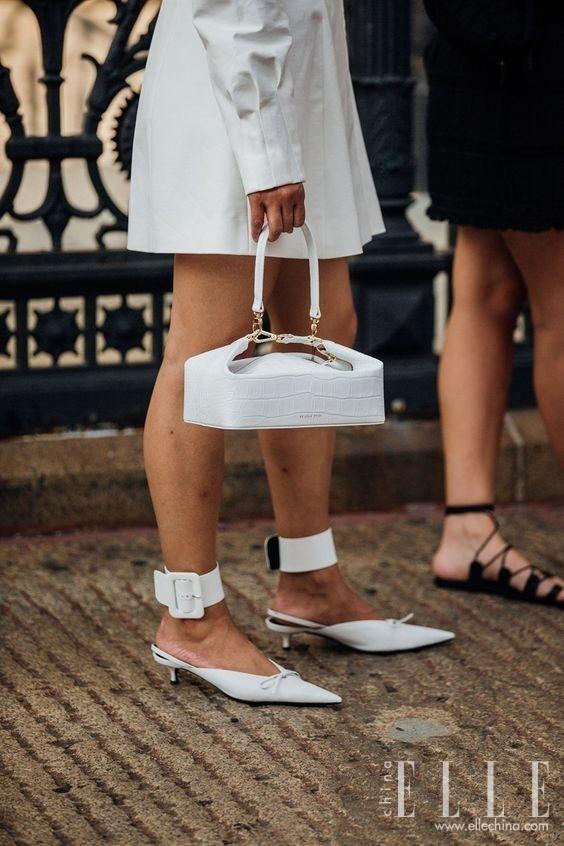天气升温扔掉靴子,一波高颜值的尖头鞋来了!