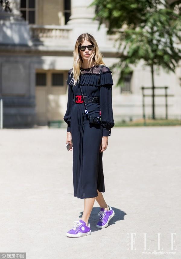 连衣裙搭什么才能优雅Swag两不误?