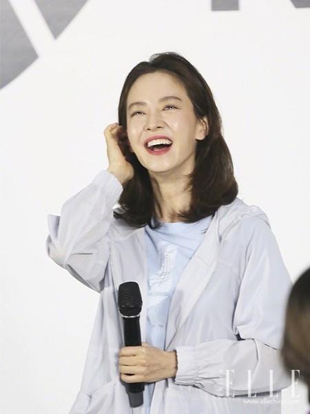 """39岁宋智孝生图上热搜,她才是""""发光肌""""的鼻祖!"""