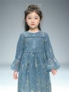 雏鸽童装亮相上海时装周