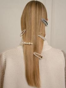 奶奶风复古发夹最配什么发型?