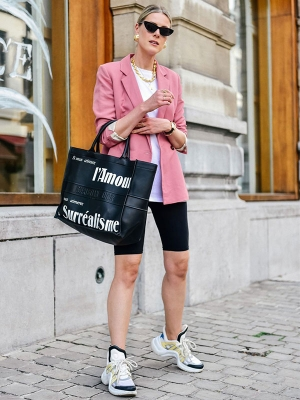 薄外套+短下装,春天最时髦的搭配方法